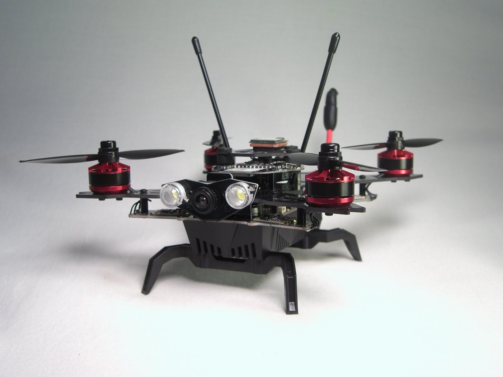 Eachine Assassin 180 дрон